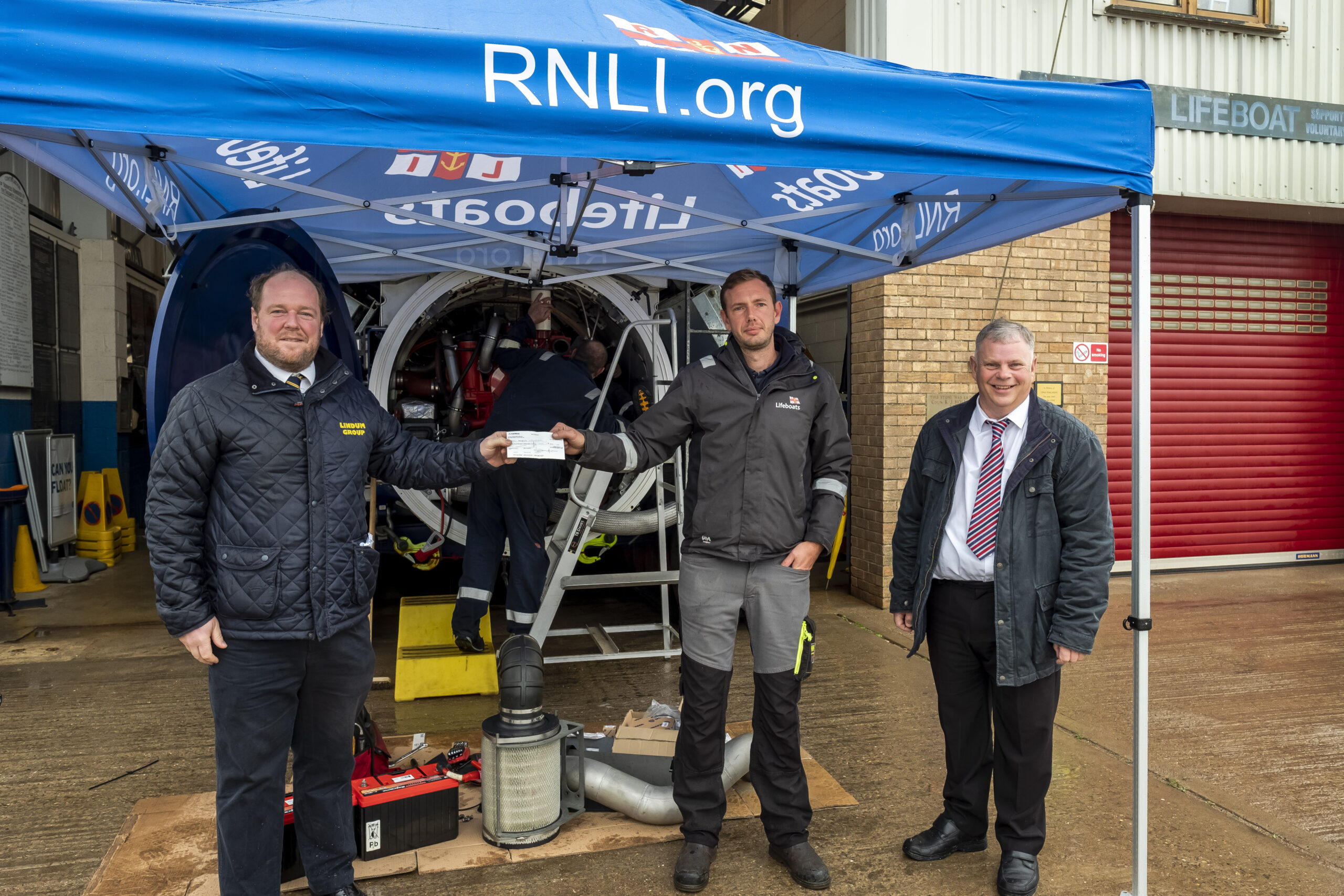 Lindum launch lifeboat support